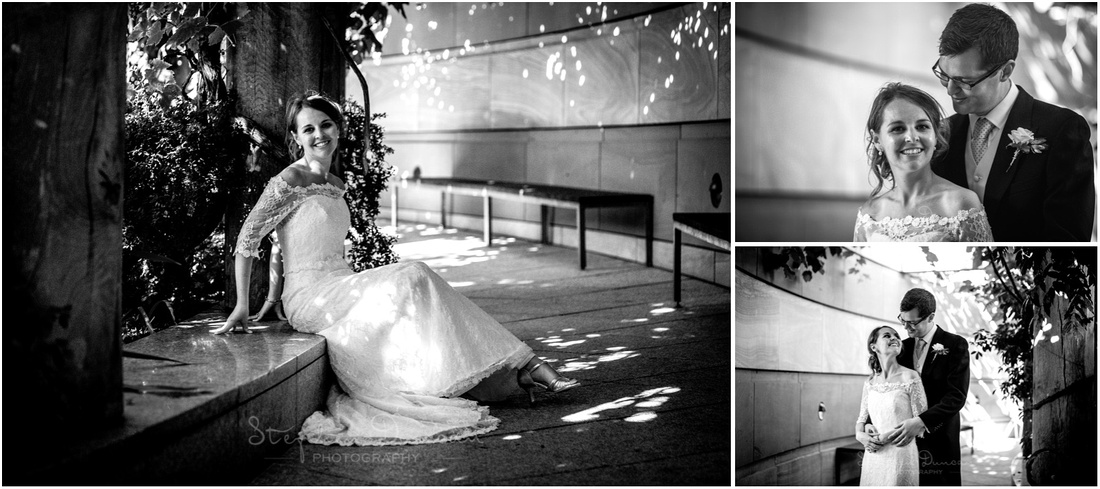 Portraits of the bride and groom in the circular central terrace at the restaurant